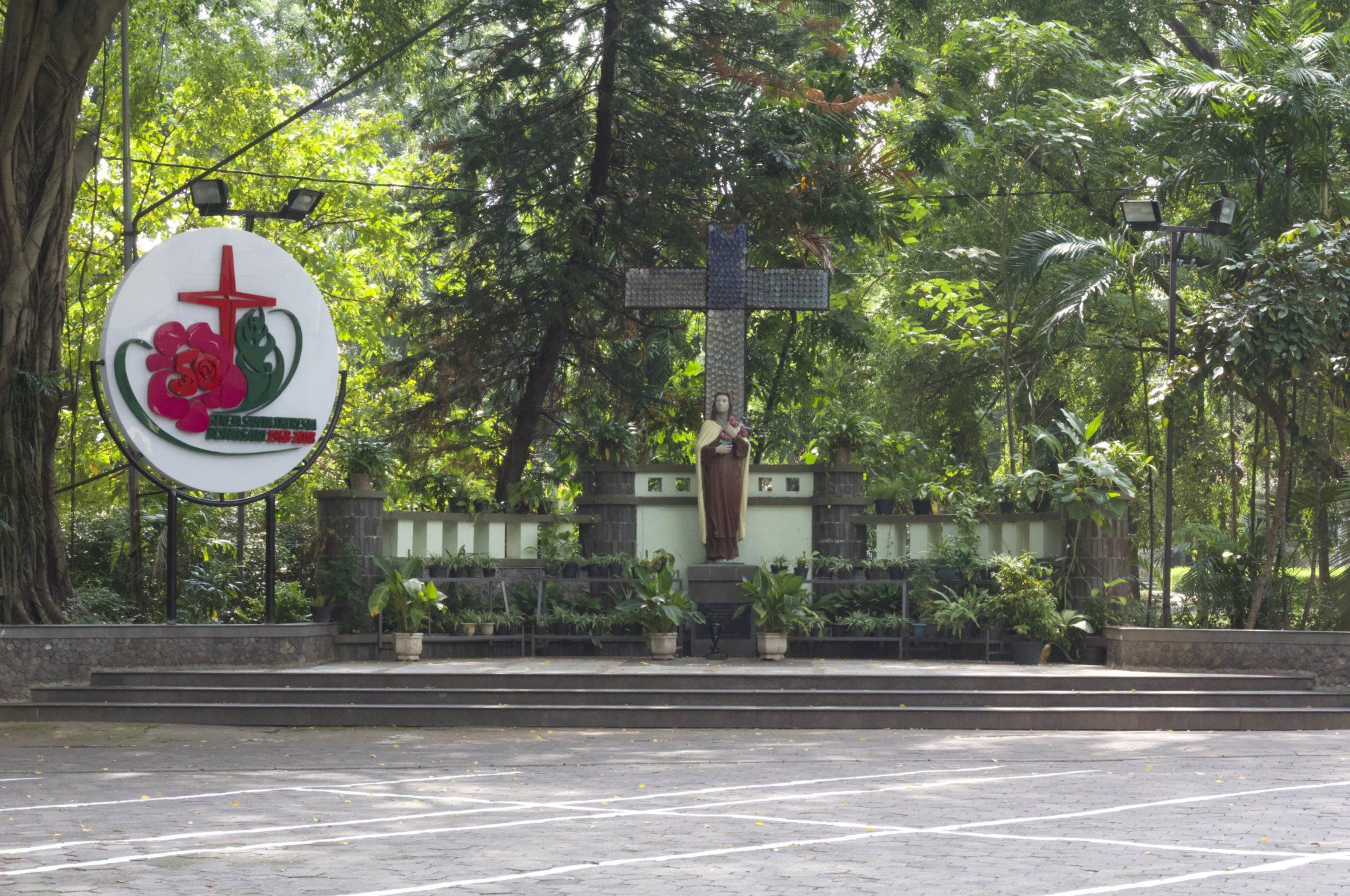Paroki Santa Theresia Bongsari Semarang